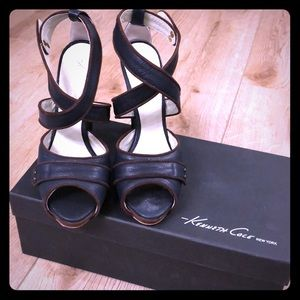 Kenneth Cole She's All Plat Heels